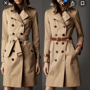 NWOT Burberry Trench Coat